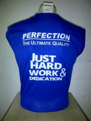 Sleeveless Biru Ultimate Nutrition
